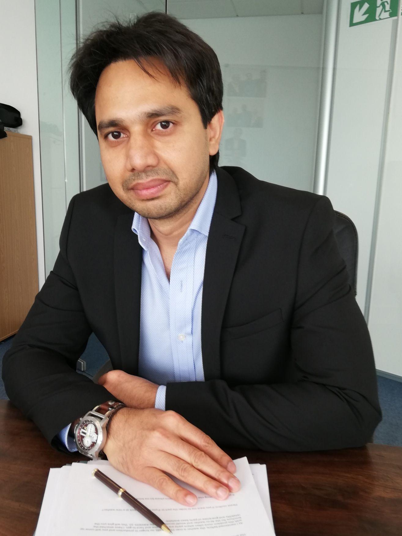 Dr Shadab Ahmad